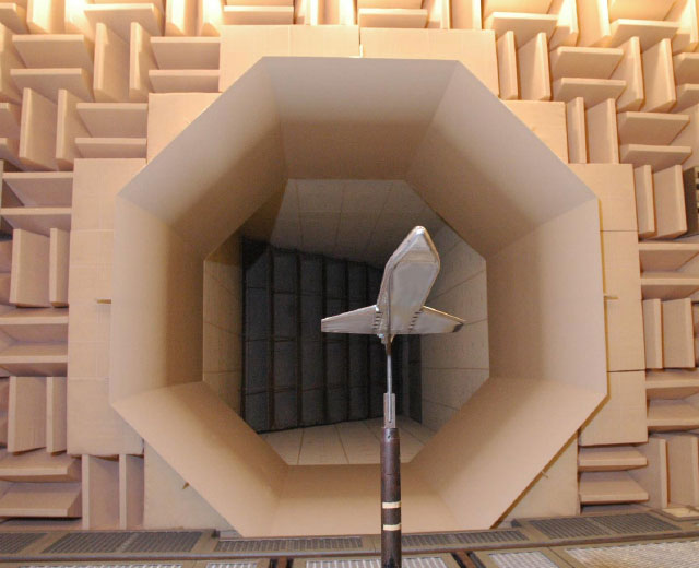 Noise-reduction wind tunnel used on the course
