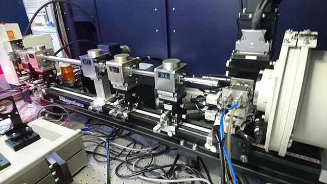 分子配列を解析するX線回折装置