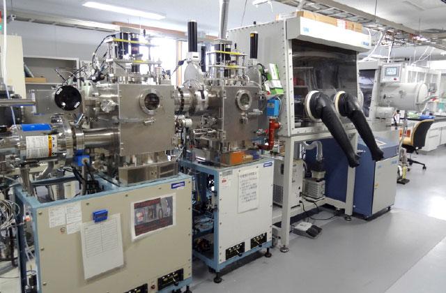 有機ELデバイスを作成するための蒸着装置